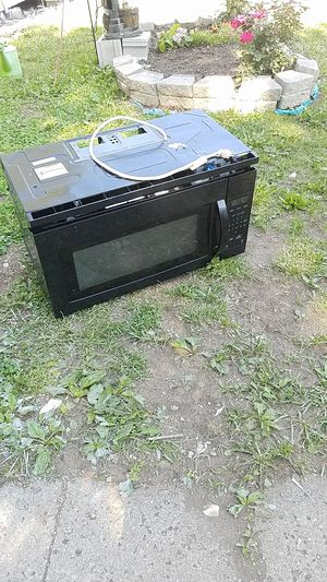 Micro wave for Sale in Lorain, OH