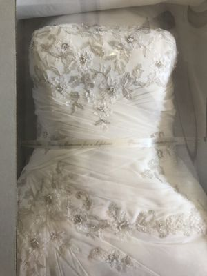 Ivory Wedding Dress for Sale in Grafton, OH