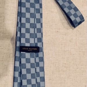 Louis Vuitton Damier LV blue checkered Damier tie for Sale in Henderson, NV