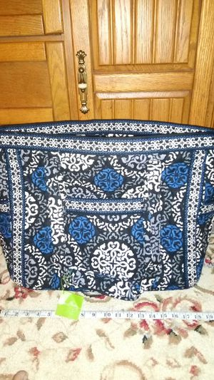 Carried away tote, Vera Bradley, never used and tag still on. for Sale in Canonsburg, PA