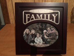 Family pic frame for Sale in Victoria, TX