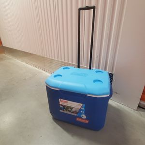 IGLOO IceCube Rolling Cooler for Sale in Austin, TX