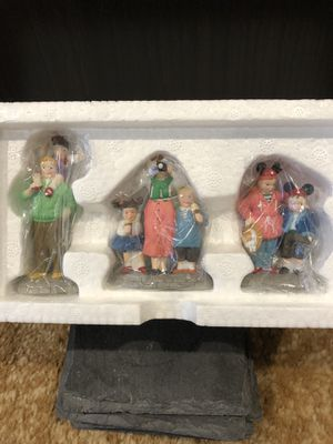 Disney Christmas Village Series, Collectors item, Disney Parks Family, NEW IN BOX for Sale in Perris, CA