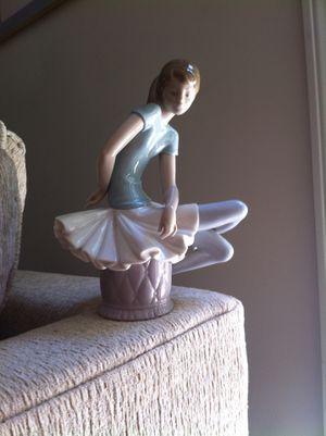Lladro Julia Pretty Ballerina for Sale in Cheshire, CT