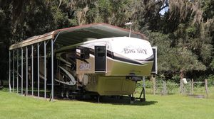 2012 Montana Big Sky 5th Wheel Camper for Sale in Fort White, FL