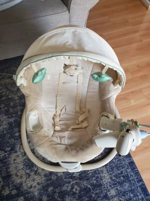 Baby swing and bouncer in one for Sale in Virginia Beach, VA