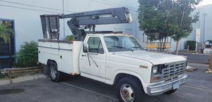 Ford F350 1989 bucket truck man lift diesel for Sale in Ontario, CA