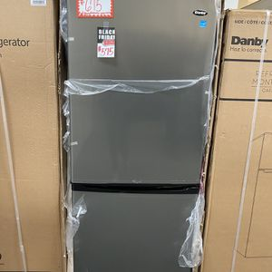 """Brand New Danby-24"""" Bottom-freezer Refrigerator Stainless Steel With Manufacturer Warranty for Sale in Laurel, MD"""