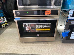 Whirlpool smart appliance oven brand new for Sale in Elkridge, MD