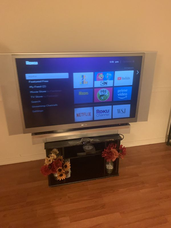 Toshiba TV and Roku for sale only pick up and cash only
