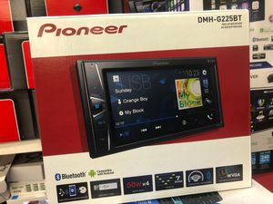 PIONEER DMH-G225 BT car stereo system Bluetooth touchscreen Bluetooth USB aux for Sale in San Diego, CA