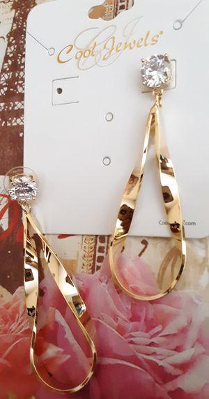 New goldtone twist loop and faux diamond post earrings for Sale in Fullerton, CA