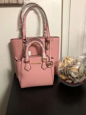Bolsos de mujer for Sale in Silver Spring, MD