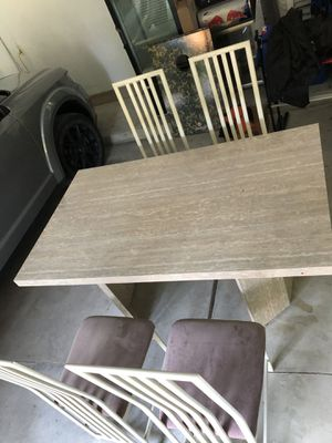 Dining Kitchen Table (please buy it) (very cheap) for Sale in Shelby Charter Township, MI