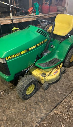 John deer tractor for Sale in Weldon Spring, MO