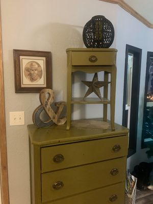 Old vintage antique dove tail dresser and night stand for Sale in Puyallup, WA