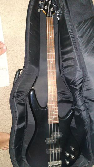 Bass guitar for Sale in Keizer, OR