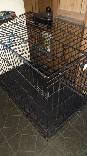 Medium sized dog crate for Sale in Claude, TX