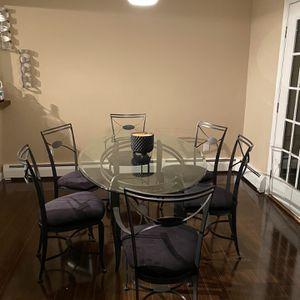Dining Room Table And Chairs for Sale in Rocky Hill, CT