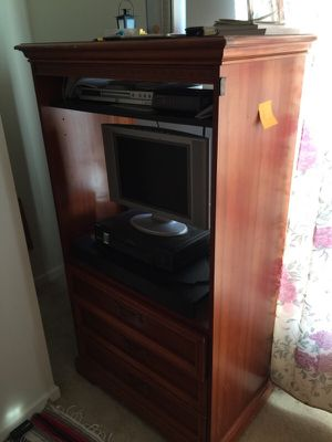 Tv stand h for Sale in Manassas, VA