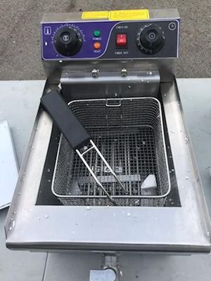 Brand New single commercial deep fryer for $60 for Sale in Anaheim, CA