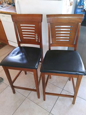 2 real wood bar stool in good condition for Sale in Long Beach, CA