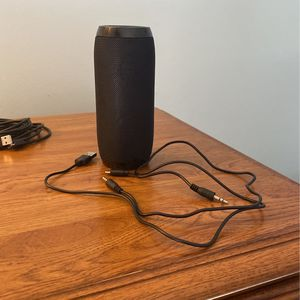 Unused Cheap Bluetooth Speaker/2 Chargers for Sale in Greencastle, PA
