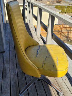 Silla for Sale in Yakima,  WA