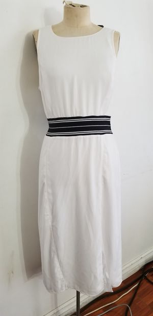 White dress with black stripes size m for Sale in Upland, CA
