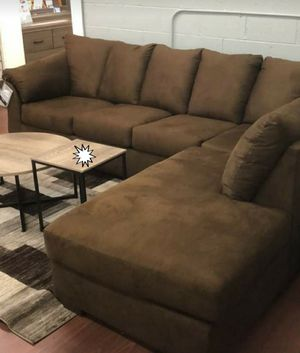 🧊ON DISPLAY🍁SPECIAL] Darcy Cafe RAF Sectional 150 for Sale in Laurel, MD