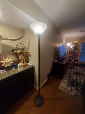 Floor Lamp 6 ft tall for Sale in Atascocita, TX