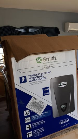 Smith tankless hot water heater for Sale in Quitman, TX