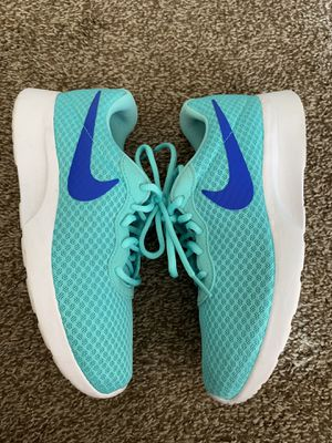 Women's NIKE teal blue tajun shoes size 8 for Sale in Glendale, AZ