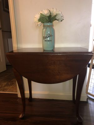 Vintage solid wood drop leaf table for Sale in Erie, PA