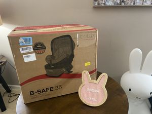 Britax bsafe35 for Sale in Naperville, IL