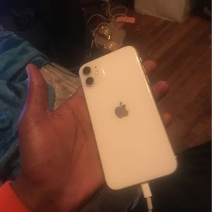 iPhone 11 64GB for Sale in Carson, CA