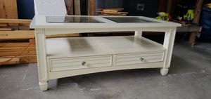 White coffee table for Sale in Davenport, FL