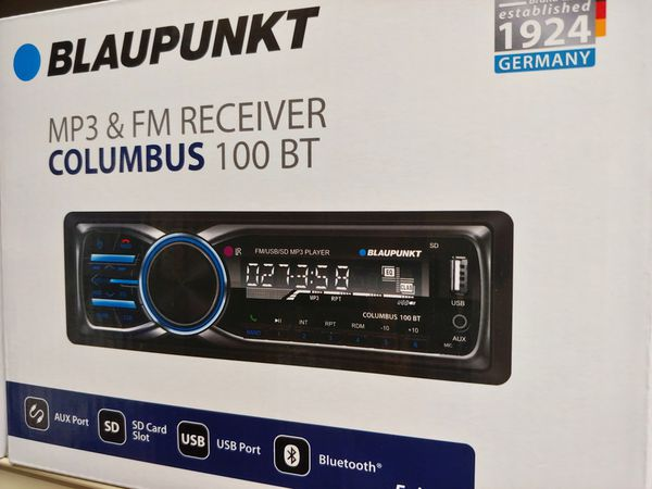 Car stereo : Blaupunkt FM Bluetooth media receiver aux usb port sd card slot remote control ( no cd player )