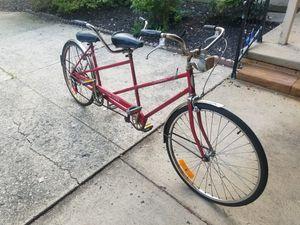 2 person bike by Schwinn for Sale in Brecksville, OH