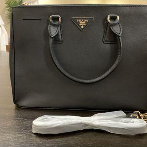 Prada Saffiano Black Handbag for Sale in Fort Lauderdale, FL