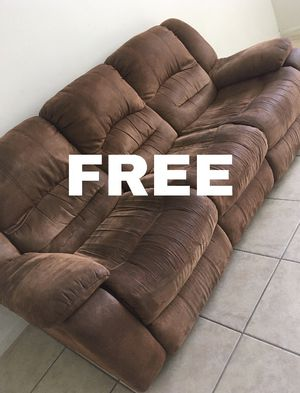FREE - MUST PICK UP! — the recliner part doesn't work!!! for Sale in Plantation, FL
