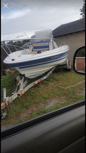 Bayliner 19ft center console boat for Sale in Tamaqua, PA