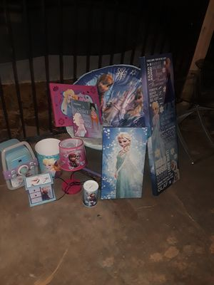 Frozen bedroom for Sale in Phoenix, AZ