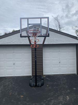 Fiber glass basketball hoop for Sale in Oakdale, NY