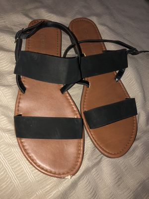 Free Sandals size 9 for Sale in Diamond Bar, CA