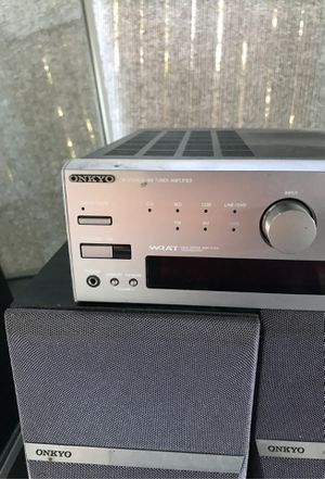 Nice onkyo system stereo and 2 speakers for Sale in Paramount, CA