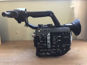 Sony FS5 Cinema Camera for Sale in Los Angeles, CA