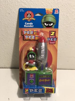 PEZ Looney Tunes Marvin the Martian CAP Candy Hander for Sale in Fresno, CA