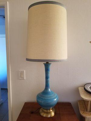 Vintage MCM lamp for Sale in Tucson, AZ