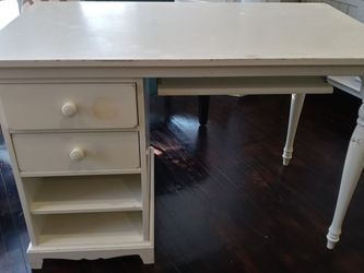White student or craft desk for Sale in Montebello,  CA